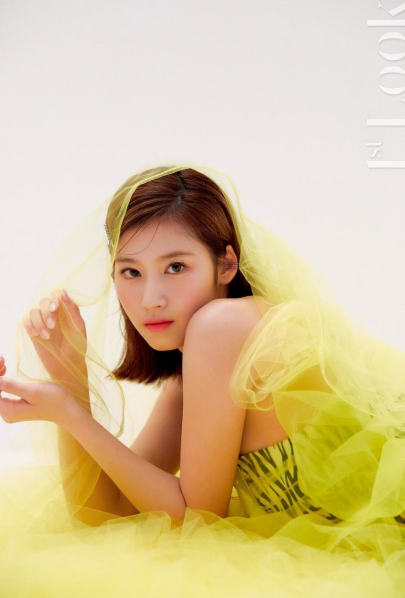 1st LOOK 사나